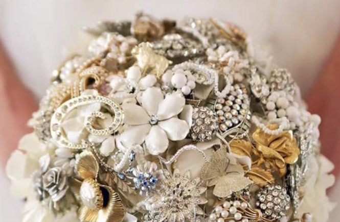 handmade bridal brooch bouquet
